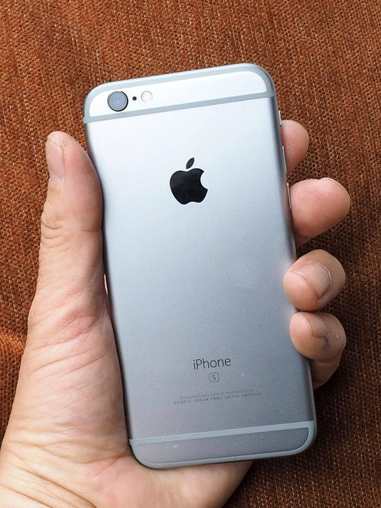 Apple apologises for slowing down older iPhones
