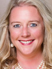 Lisa Piercey headshot