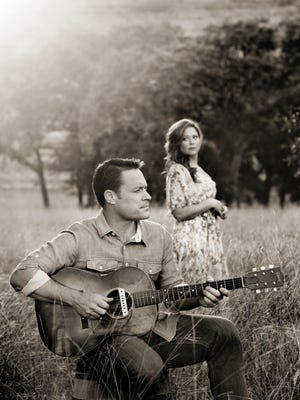 Seth James and Jessica Murray released their first CD together. It was produced by legendary Texas producer Lloyd Maines.