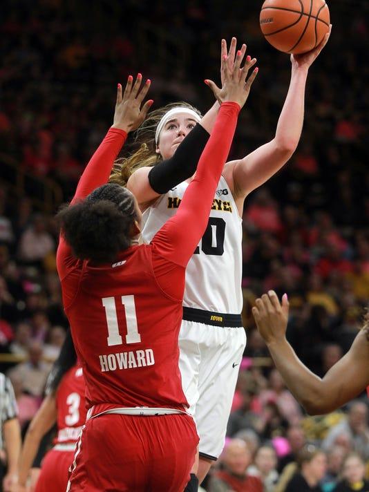 636545678440736981-180218-16-Iowa-vs-Wisconsin-womens-basketball-ds.jpg