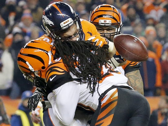 Cincinnati Bengals free safety Reggie Nelson breaks
