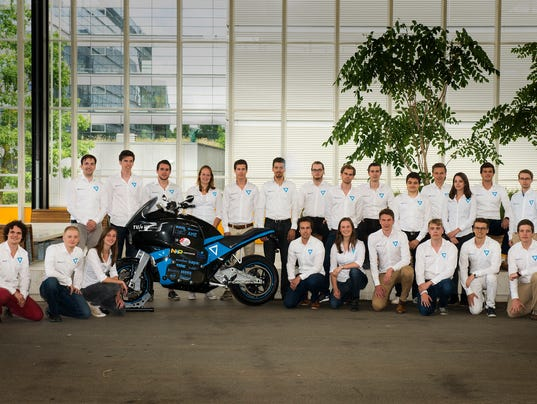 636117948580972491-Motorcycle-Group-Photo.jpg