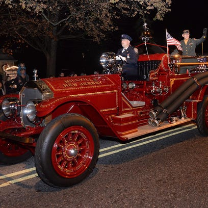 Grand marshal Dale Wettstein leads Millville's annual