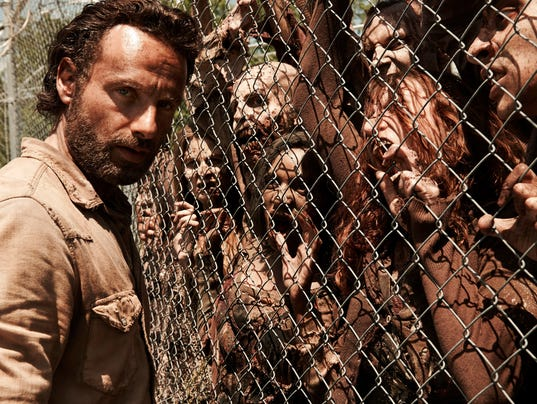 XXX walking-dead-lincoln-fence-zombies-3213-