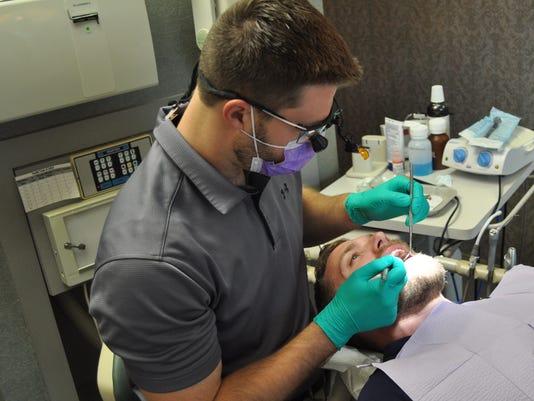 636640639948421399-dentist2.jpg