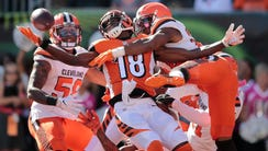 Cincinnati Bengals wide receiver A.J. Green (18) catches