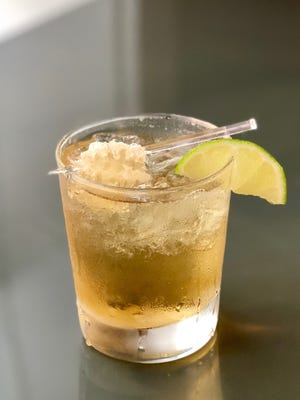 Plan a date to meet your dad on the front porch with a pair of these gorgeous cocktails.
