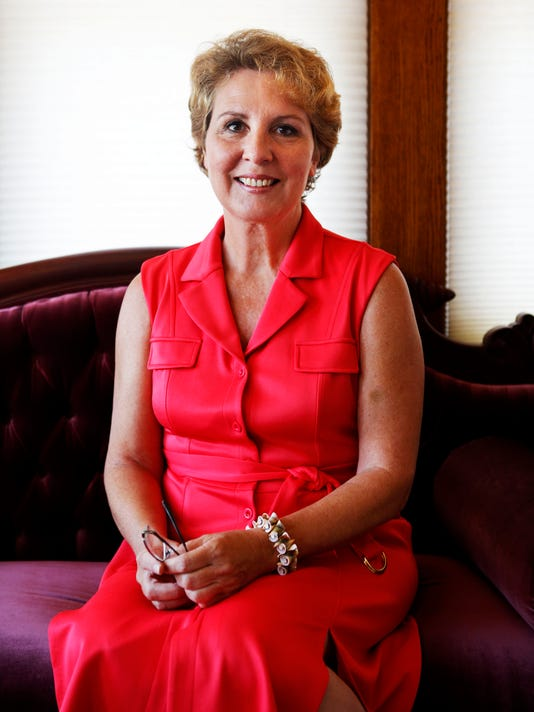 Lora Hubbel announces candidacy for governor