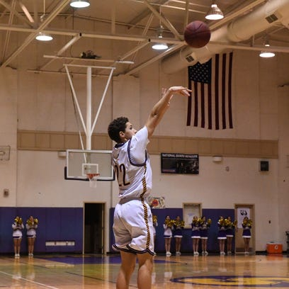 Salinas High boys' basketball wins, advances to next playoff round against Alisal