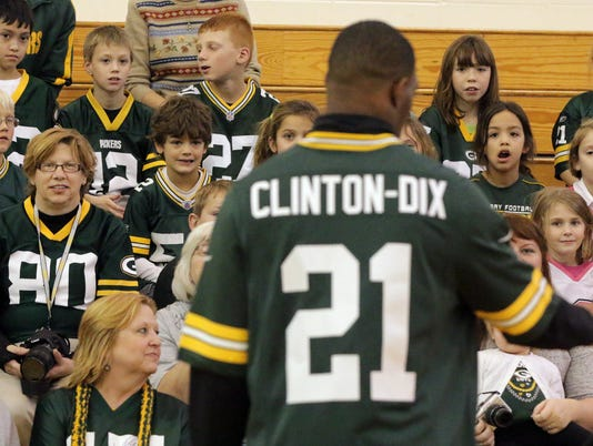 635507300294570283-Packer-Safety-Clinton-Dix-visit-15