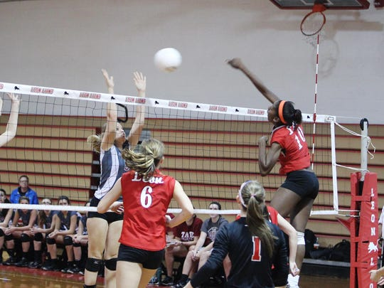 Leon freshman Makayla Washington is the Athlete of the Week after compiling 28 kills and eight blocks during a regional final victory and a state semifinal loss last week.