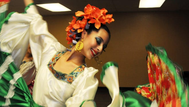 La danza rescata la cultura mexicana.