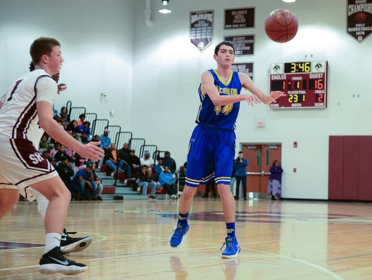 Wi-Hi's Matt Lowe passes during a game against Snow Hill on Monday.