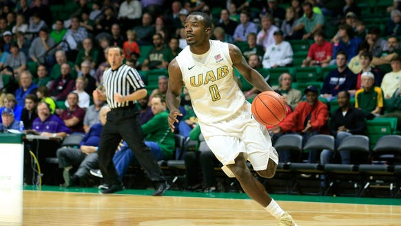 Birmingham, AL, USA; UAB Blazers guard Hakeem Baxter