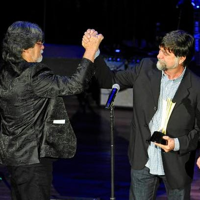 Alabama celebrate its ACM Career Achievement Award