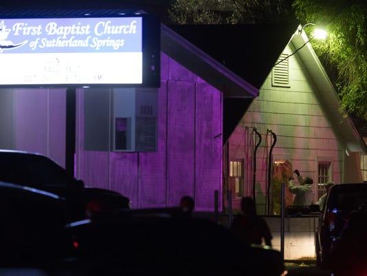 636455249663282474-Sutherland-Springs-shooting-vigil-3.jpg