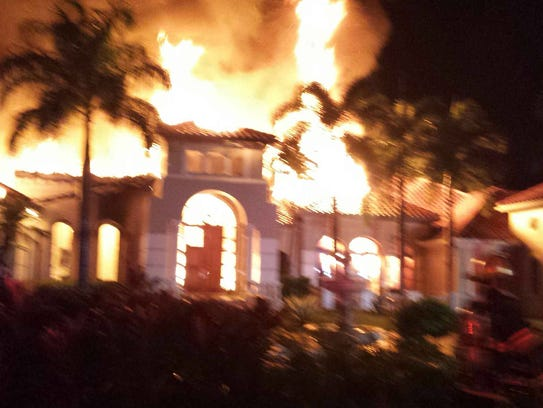 Five Flee Naples Mansion Fire Loss Set At 2 5 Million