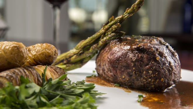 Longboard Cafe will offer a similar filet mignon dish with seasonal vegetables, chunky blue cheese and balsamic mushroom saute.