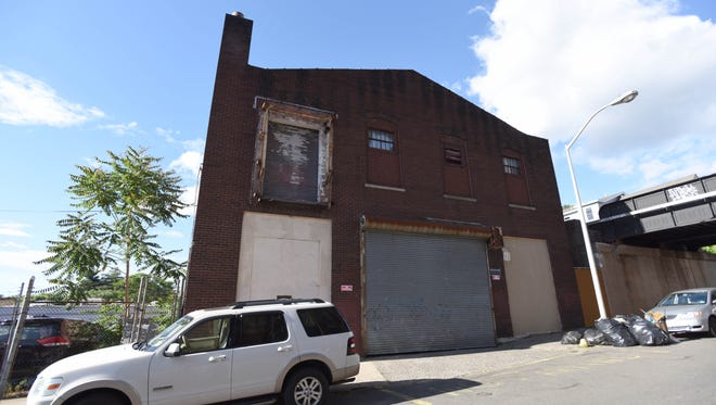 Developer Charles Florio is proposing to build 250 units of luxury housing in Paterson, on the lot and building at 105 Fair Street – a $45 million project that would include an indoor swimming pool and fitness center as well as a rooftop pool, doorman service and valet parking