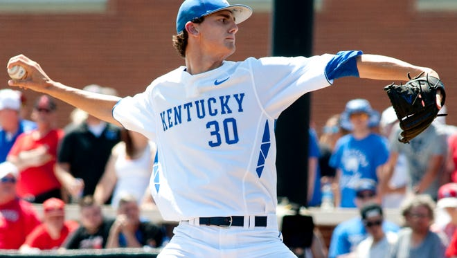 University of Kentucky starting pitcher Sean Hjelle prepares to throw in June 2017.