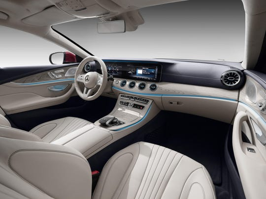 The front seats of the 2019 Mercedes-Benz CLS450.