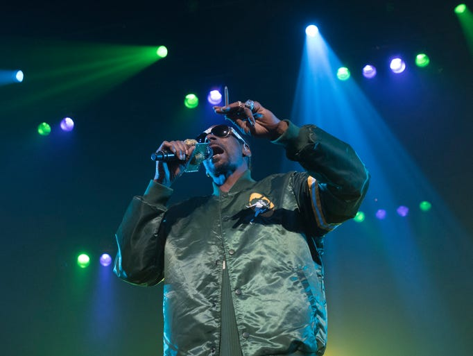 Snoop Dogg performs at the Riverside Theater on Thursday.