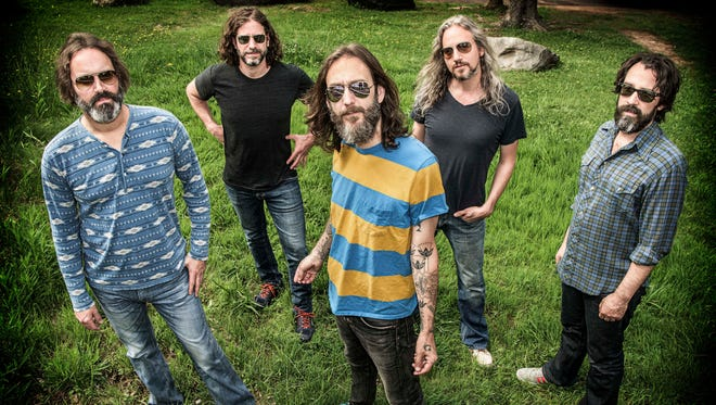 Chris Robinson Brotherhood begins a busy weekend at the Rusty Nail with a concert Friday.