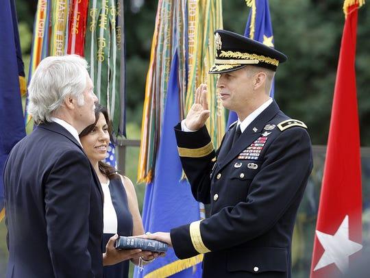 Then-Gov. John Kitzhaber swears in Maj. Gen. Daniel
