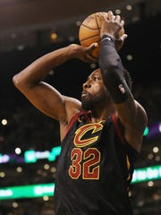 Jeff Green shoots the ball in the first half against