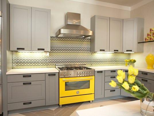 636465210998772785-Design-bertazzoni-range-yellow.jpg