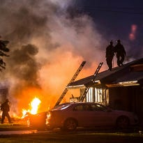 Small plane crashes into Calif. homes; at least three dead