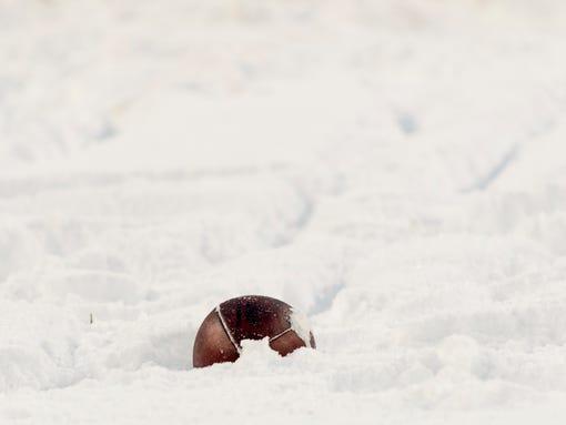 2014-01-19-snow-football