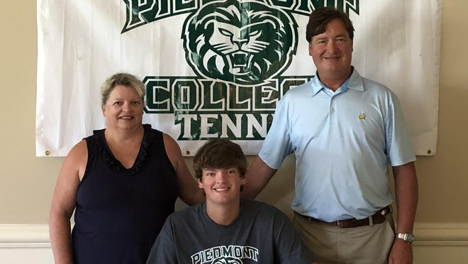 2020 Lakeside graduate Connor Bowles signed a tennis scholarship with Piedmont College last week.