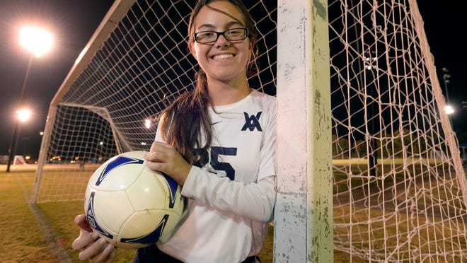 As a swimmer and soccer player with limited use of her left arm, Melanie Bailiff doesn't let living with cerebral palsy slow her down.