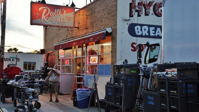 """The Hygrade Deli on Michigan Avenue was turned into Ralli's, a location mentioned in an old Superman comic, for the filming of """"Batman v. Superman: Dawn of Justice."""""""