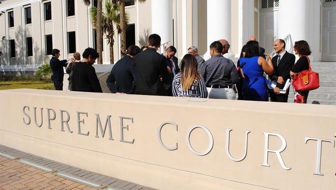 El Tribunal Supremo de Iowa comenzó hoy a analizar el caso de una inmigrante mexicana para determinar si fiscales locales pueden o no presentar cargos en su contra por un delito que cometió cuando era adolescente debido a la posibilidad de que esos cargos infrinjan la protección que las leyes federales le otorgan.