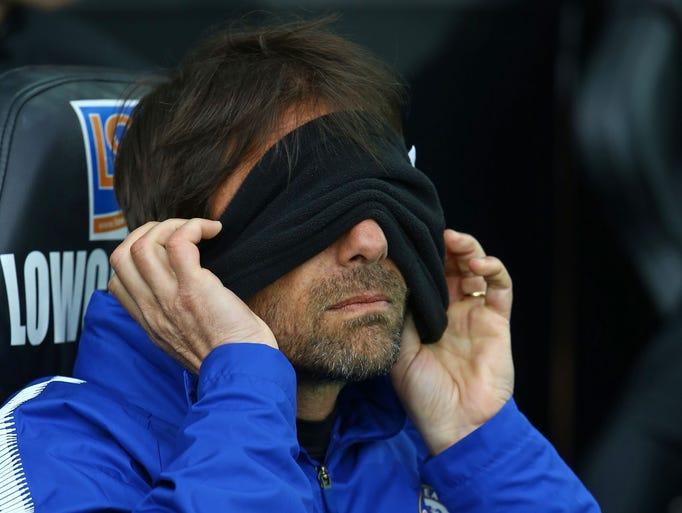 Chelsea head coach Antonio Conte awaits kick off against