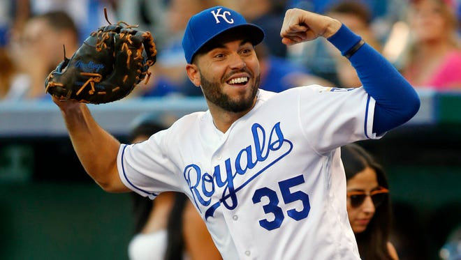 Eric Hosmer's signing signals that the Padres are ready to contend, soon.