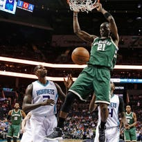 Bucks 118, Hornets 108: Snell's shooting leads to big road win