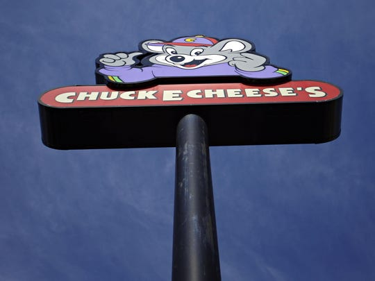 CEC Entertainment Inc., which owns 750 Chuck E. Cheese and Peter Piper Pizza stores in the U.S. and abroad, expects to begin trading on the New York Stock Exchange in the second quarter.
