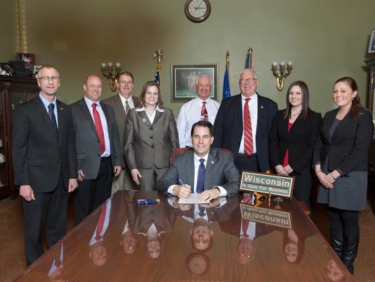 Bill-Signing-30116-73.jpg