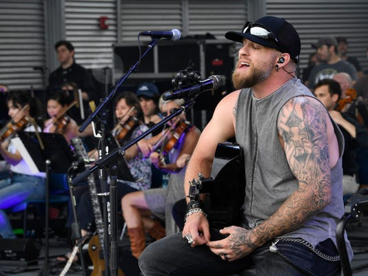brantley gilbert backstage on the ones that like me tour in nashville