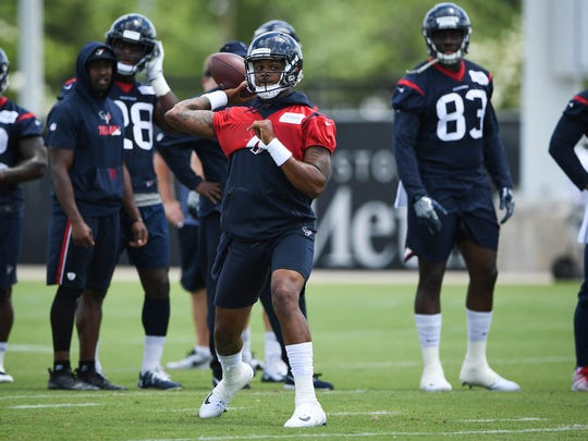 Houston Texans quarterback Deshaun Watson (4) throws