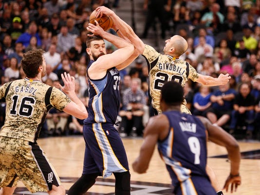 NBA: Memphis Grizzlies at San Antonio Spurs
