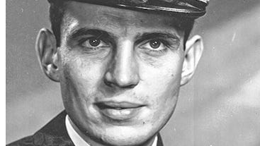 Robert Leo Wallace, 95