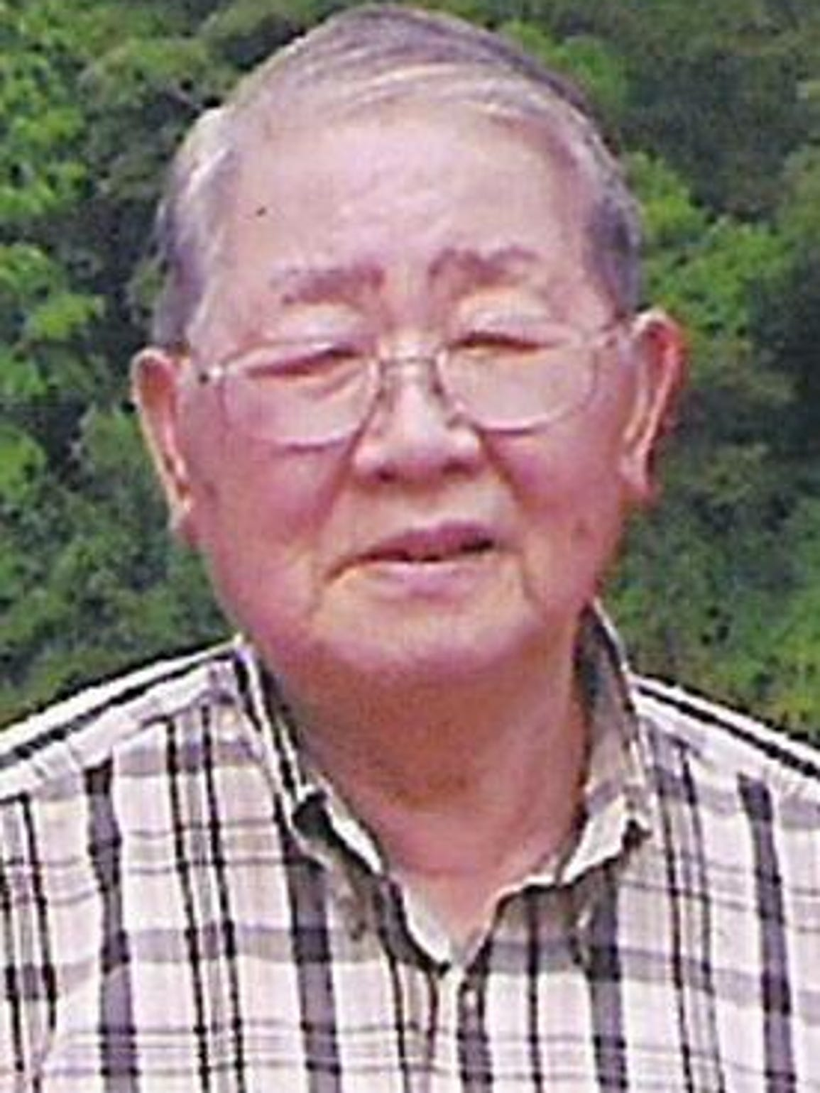 Gee Leong died in 2004.