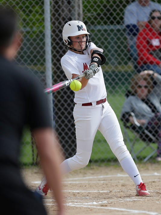 636622712220969350-FON-lomira-vs-mayville-softball-051818-dcr036.jpg