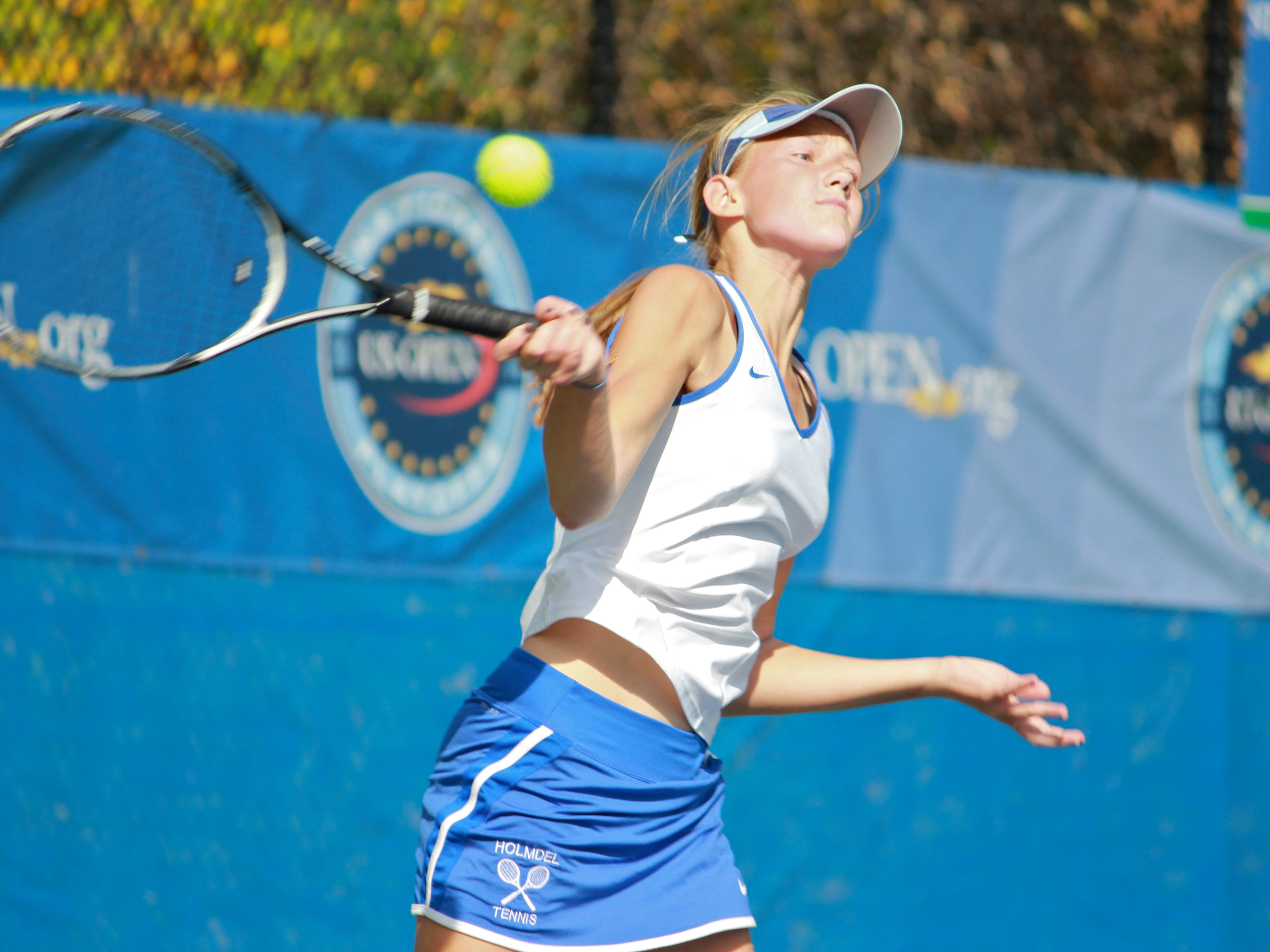 Alexandra Wojciak clinched the decidin point in a 5-0 victory over Summit as Holmdel won its first Group title in nine years on Friday.
