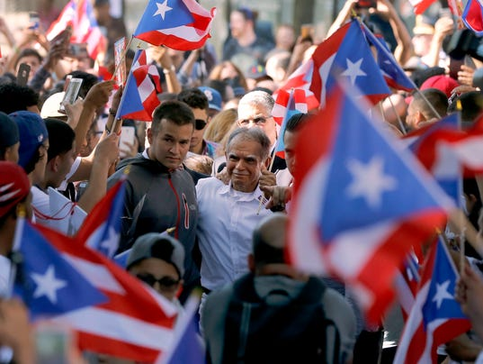 AP PUERTO RICAN MILITANT PARADE A FILE USA IL