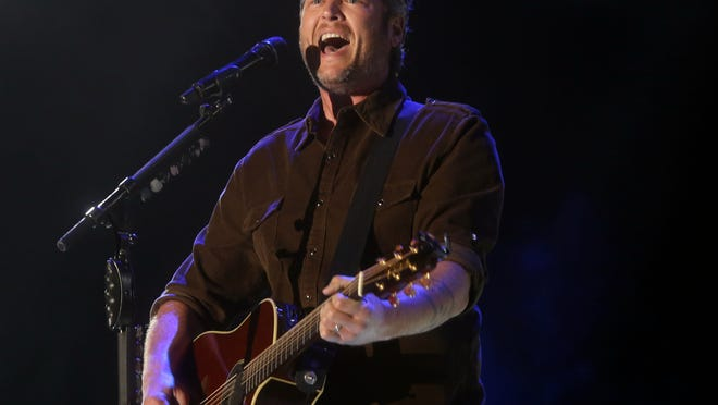 Blake Shelton performs on the Mane Stage during the 2015 Stagecoach California's Country Music Festival in Indiio on April 26, 2015.